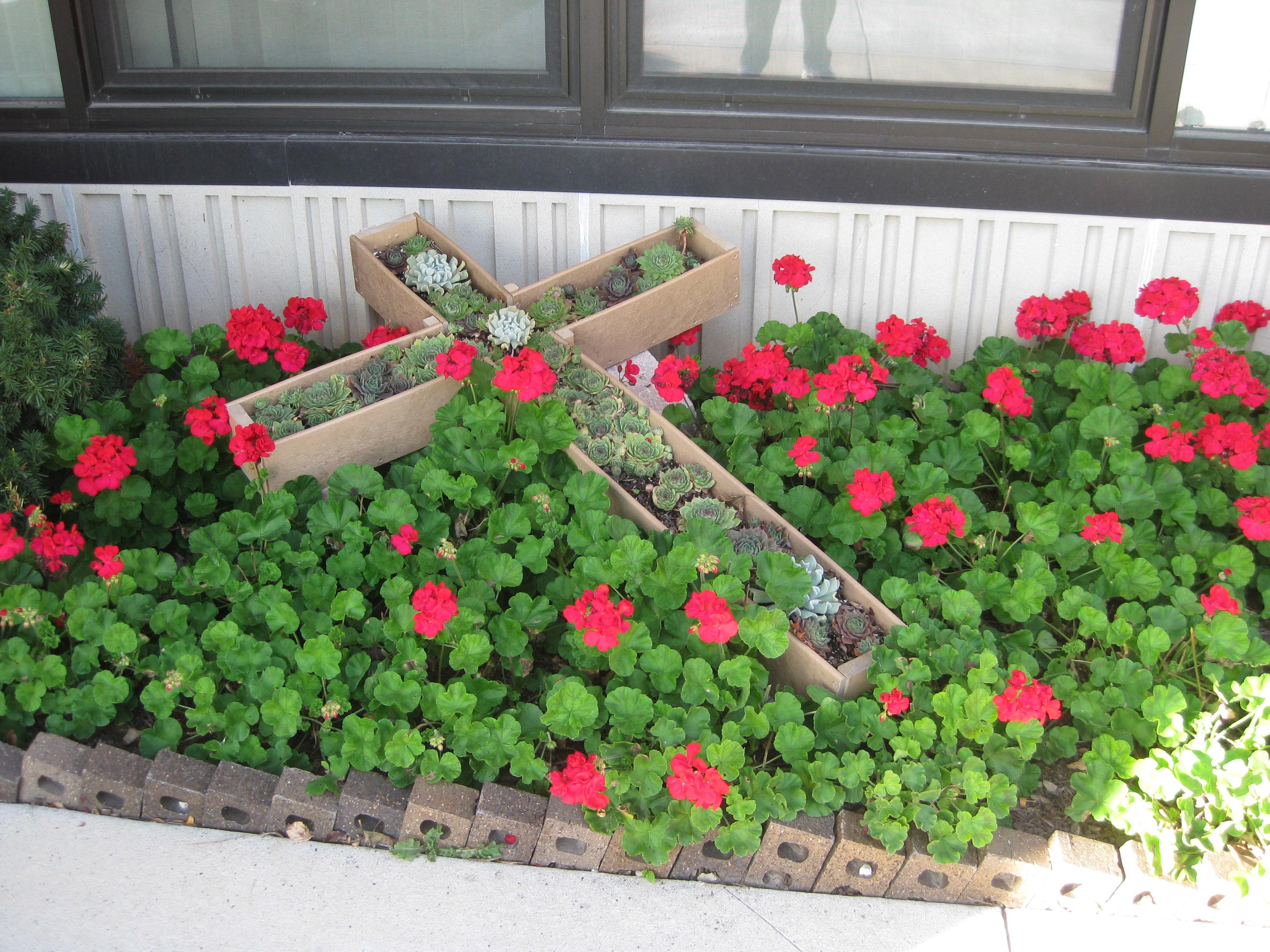 Cross Planter