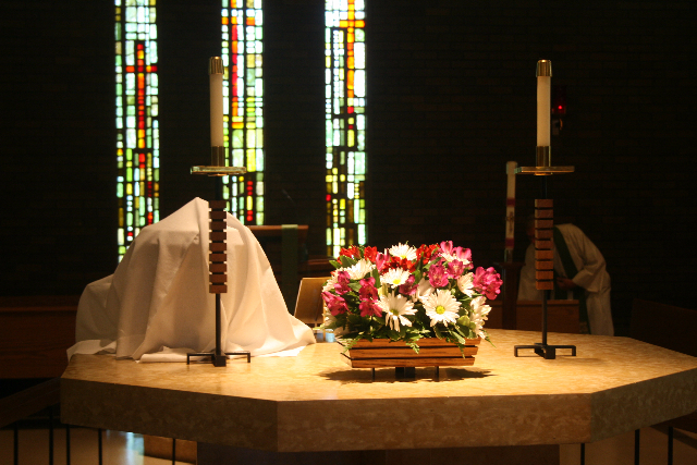 images/stories/HeaderImages/Frame1/Altar.JPG